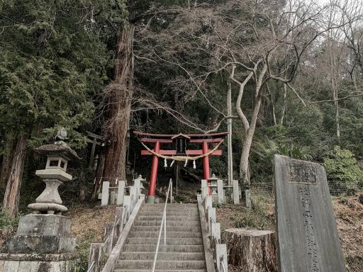 菅東山出世稲荷神社