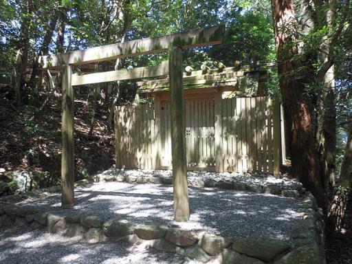 津長神社・新川神社・石井神社