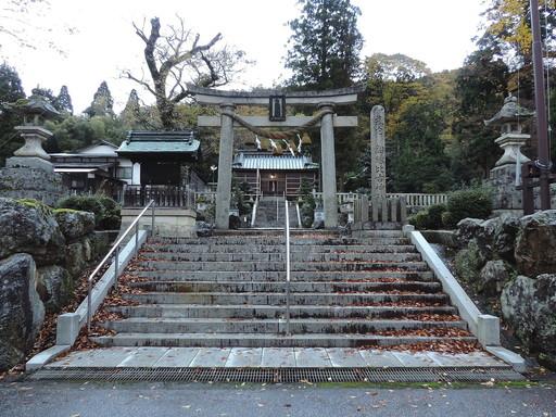 鉛練比古神社